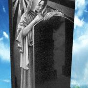 памятник со скорбящей