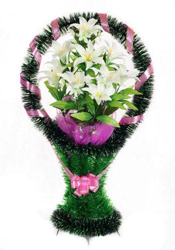 корзина на могилу с лилиями