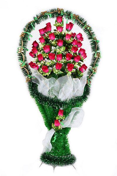 большая дорогая корзина с розами