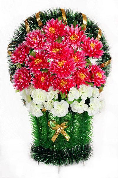 большая красивая корзина с разными цветами