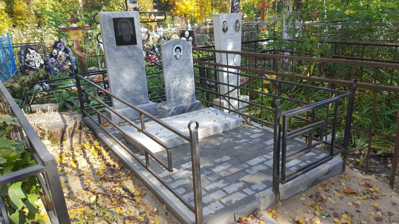 Тротуарная плитка + мраморные памятники Петропавловское кладбище